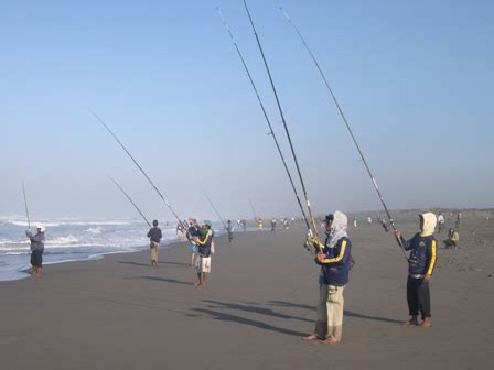 Joran Pancing Di Pantai surf mancing pasiran di pantai yogyakarta