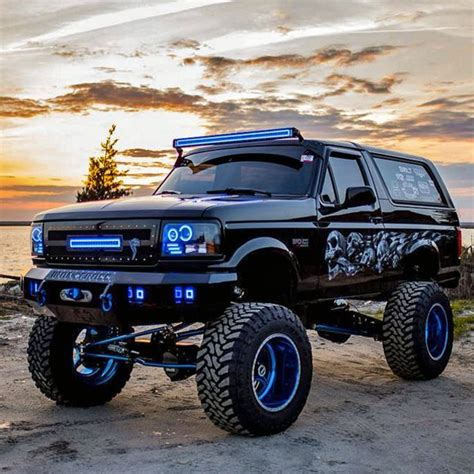 ford bronco lifted image gallery lifted bronco