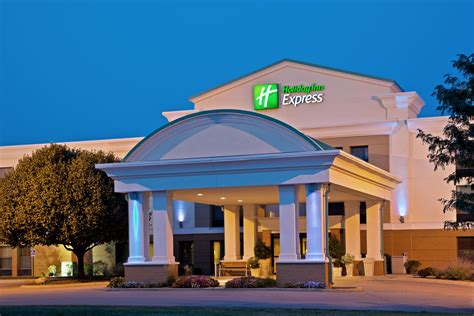 hollyday inn express inn express suites indianapolis east