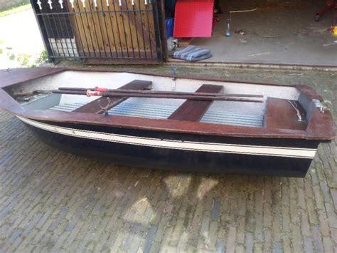 buitenboordmotor yamaha 3 5 pk mooie roeiboot motorboot met yamaha 3 5 pk