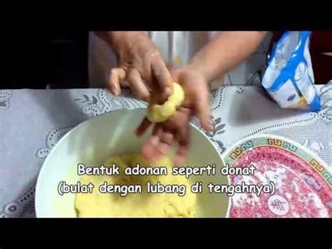 cara membuat donat holland cara membuat donat kentang empuk dan enak ala chefmate