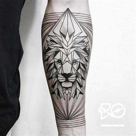 lion geometric tattoo 147 best images on simple