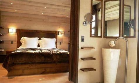 deco chambre lambris chambre en lambris great je pose du lambris au plafond
