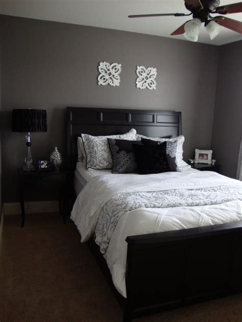 Gray Wall Bedroom Decor by Purple Grey Guest Bedroom Bedroom Designs Decorating