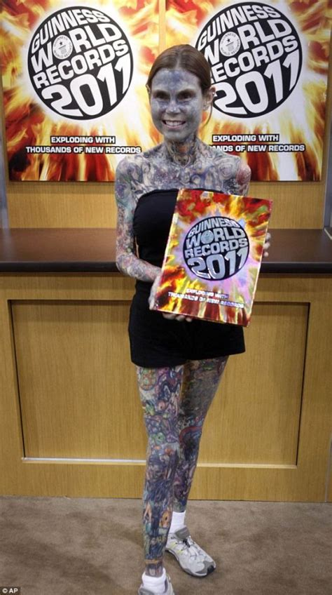 most tattooed woman in the world gnuse the most tattooed in the world 9 pics