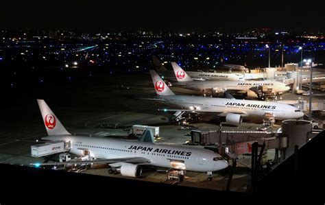 lalalaland a night in haneda airport file haneda airport t1 night view cropped jpg wikimedia