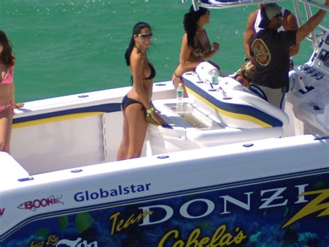 boats and hoes miami donzi pics let s see em page 12 offshoreonly