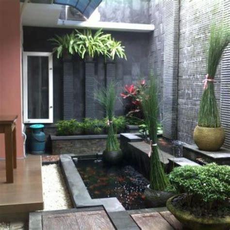 contoh  gambar kolam ikan unik rumah minimalis gambar  foto rumah minimalis minimalis