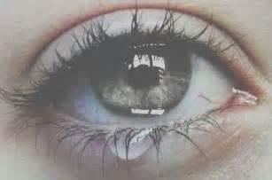 gambar orang sedih dan menangis gambar kata kata