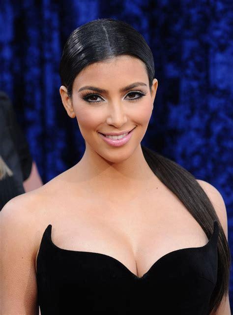 kim kardashians low sleek ponytail with center part celebrity 1000 images about hair on pinterest