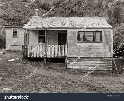 run of house run weatherboard houses mining stock photo
