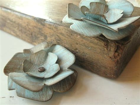 How To Make Paper Look And Worn - flowers made from recycled thick paper board these are