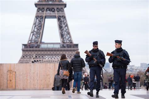 imagenes wasap atentado paris paris attacks isis claims responsibility today s news