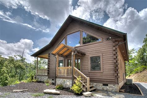Smoky Mountain Cabin Rental Companies by Luxury Log Cabin Rental In Smoky Mountains With View