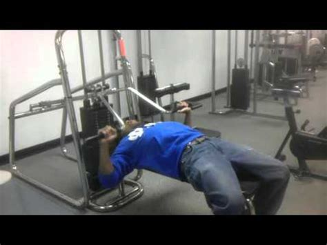touching chest on bench press touching chest bench press 28 images touching chest on