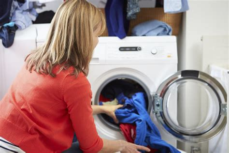 23 surprising laundry tips you didn t you needed - How To Wash Colored Clothes Without Fading