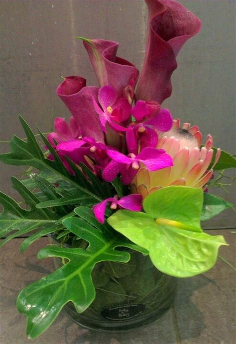 Small Vase Flower Arrangements by Small Corporate Vase Flower Arrangement Books Worth