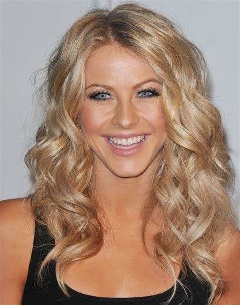 how to curl hair like julianne hough julianne hough neutral makeup loose curls