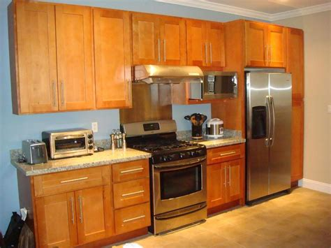 honey maple kitchen cabinets rta cabinet broker 1r honey maple shaker 908 kitchen