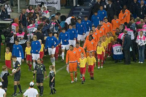 the uefa european football lijst van bijnamen van nationale voetbalelftallen wikipedia
