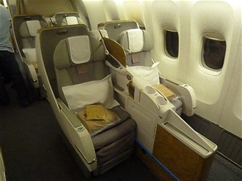 boeing 777 300er business class seats emirates boeing 777 300er jet emirates business class 2017