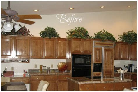 decorating above kitchen cabinets freshomes how do i decorate above my kitchen cabinets design