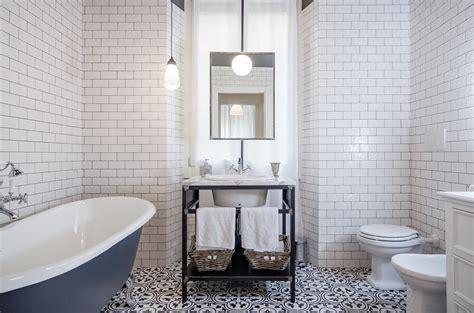 specchio in bagno lo specchio in bagno livingcorriere
