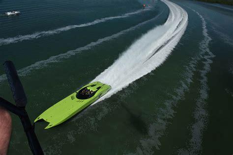 lamborghini aventador sv boat price video lambo aventador sv roadster y lancha a juego en