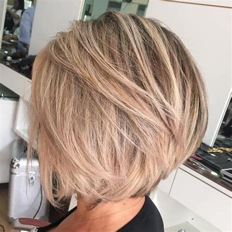 pictures of eck lengt layered haircuts 70 cute and easy to style short layered hairstyles