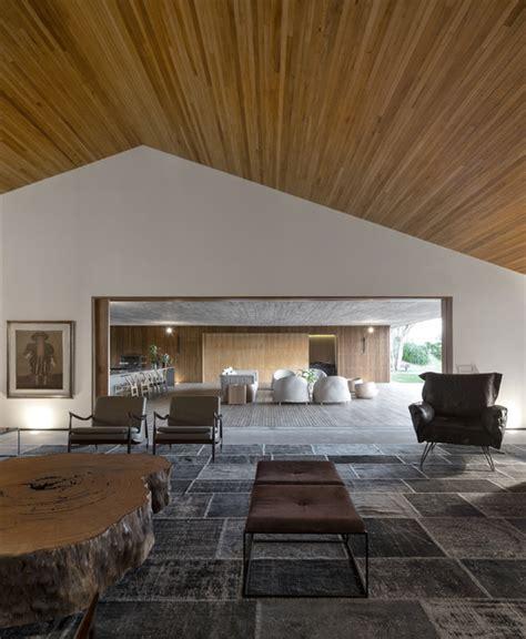 house in silverstrand millimeter interior design archdaily mm house studio mk27 marcio kogan maria cristina