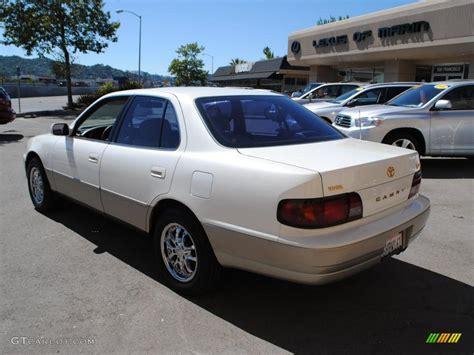1996 toyota camry sedan 1996 white toyota camry le v6 sedan 33329422 photo