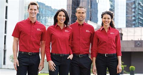 How to Choose the Best Uniform Company for Your Work Wear