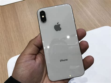 with iphone 8 and iphone x apple bets گالری عکس آیفون ایکس iphone x نگاهی نزدیک به آیفون ایکس اپل گجت نیوز