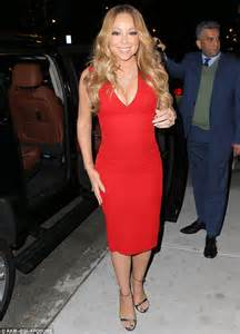 Outside Chaise Lounge Mariah Carey Sizzles In Plunging Scarlet Dress For A Night