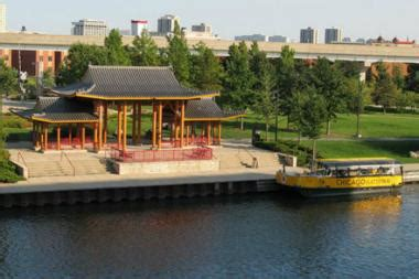 chicago boat tour to chinatown cruise will take you from chinatown s ping tom park to