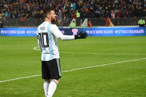 world cup 2018 argentina favorites to qualify from