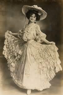 era fashion historic clothing