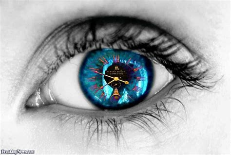 Contact Lens For Blind Eye Clock Contact Lens Pictures Freaking News