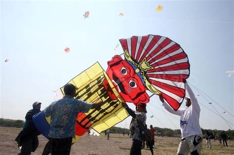 kite design indonesia 37 best indonesian kites and kite making images on