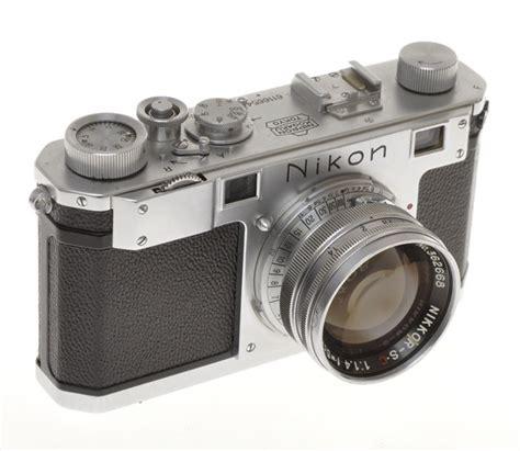 nikon  mm rangefinder camera  mm  nikkor sc