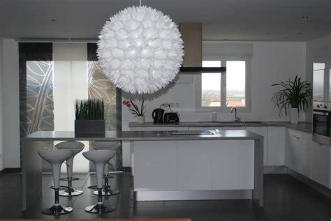 cuisine blanche grise cuisine gris clair cuisine gris clair plan de travail