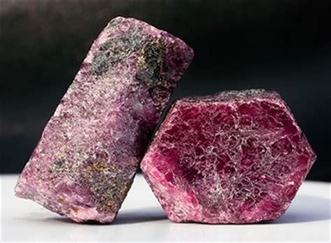 Perak Ruby Rubi Corondum corundum use as a gemstone abrasive refractory