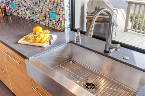 Photo Page Hgtv Apron Front Sink With Backsplash