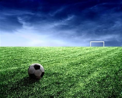 wallpaper dinding lapangan bola gambar lapangan sepak bola langit gratis foto download gratis
