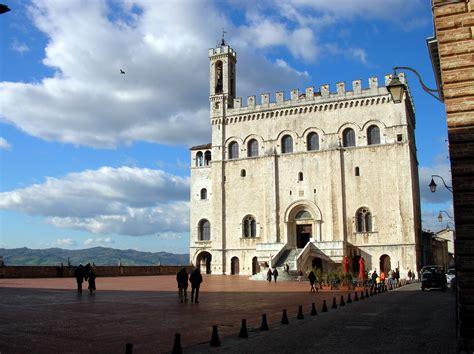 gubbio palazzo dei consoli file gubbio palazzo dei consoli jpg wikimedia commons