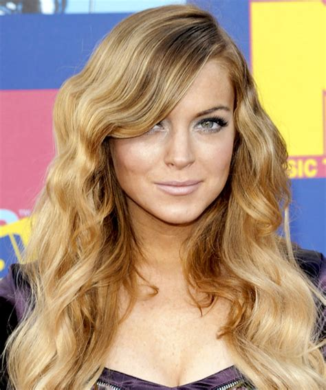 lindsay lohan with medium ash blonde hair very long and curly source hairstyles7 net lindsay lohan hairstyles in 2018