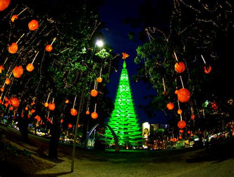 how do brazilians decorate for christmas in fortaleza brazil