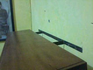 cara membuat rak buku nempel di tembok cara membuat rak dinding melayang