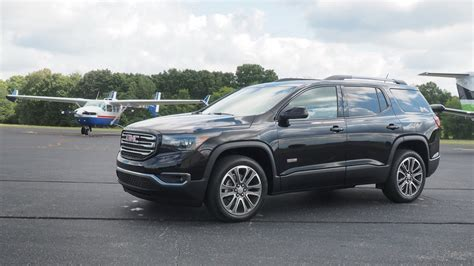 pictures of a gmc acadia 2017 gmc acadia all terrain driven picture 702009
