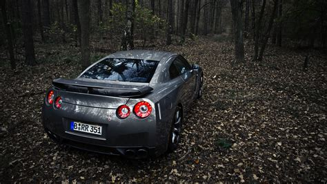 Awesome Car Wallpapers Gtr by 25 Awesome Car Wallpapers Crispme